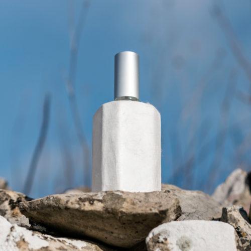Flacon de parfum recouvert de soie Sericyne